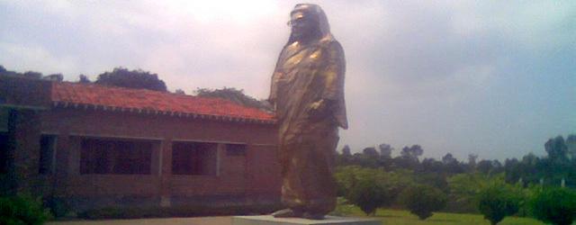 begum_rokeya_statue
